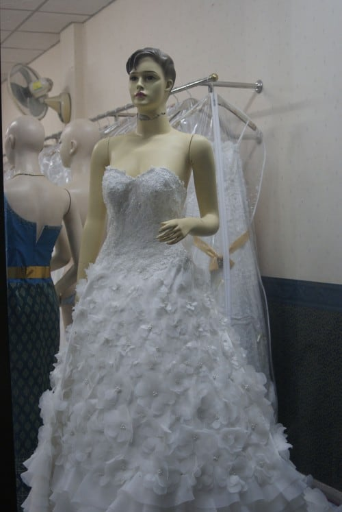 Looking for a traditional wedding dress