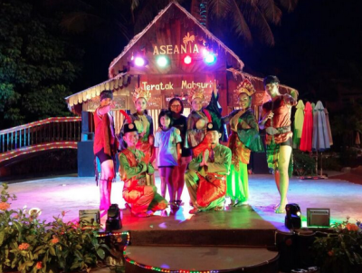 Aseania Resort international buffet and cultural show